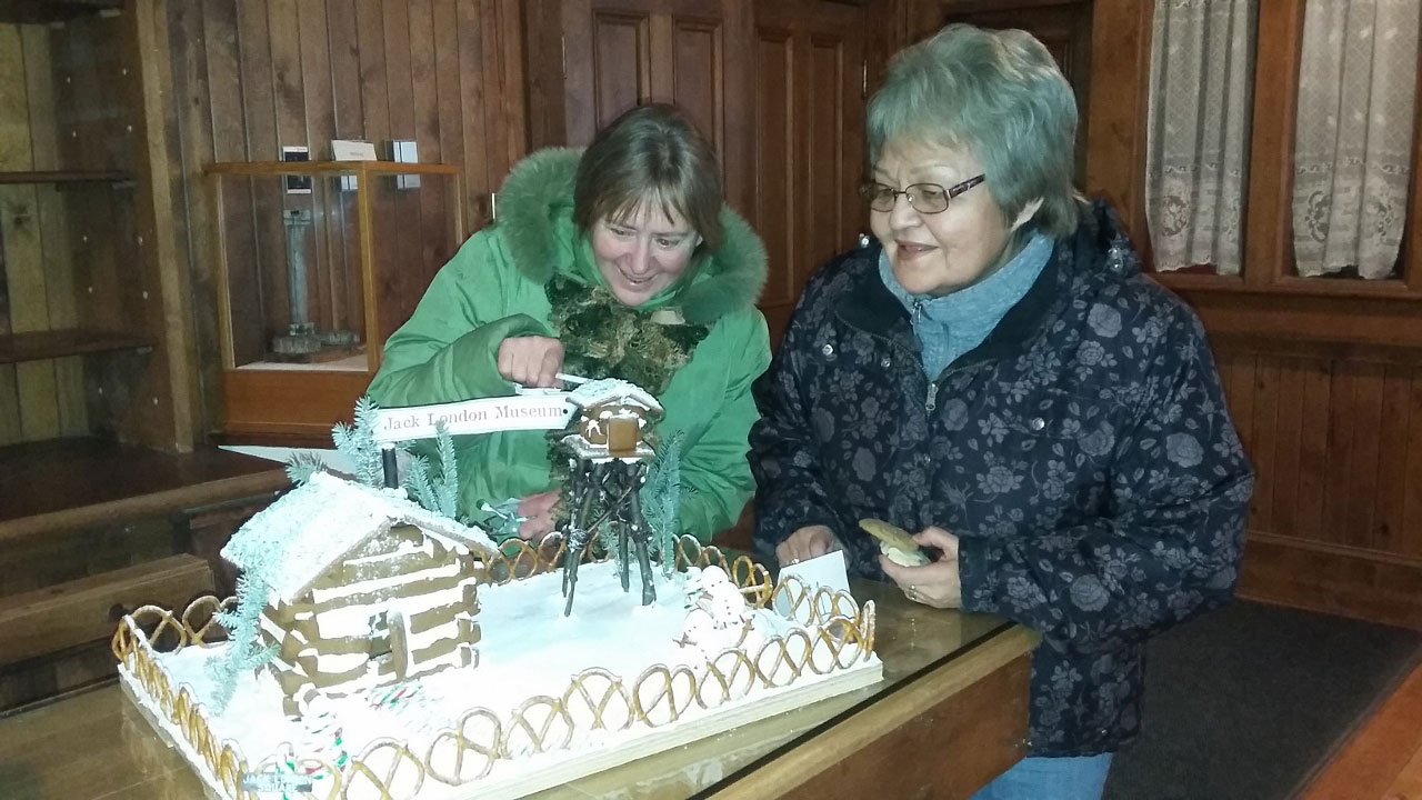 Bonnie Duffee and TrudyLindgren critique the Jack London Museum entry. Photo Credit: Molly MacDonald